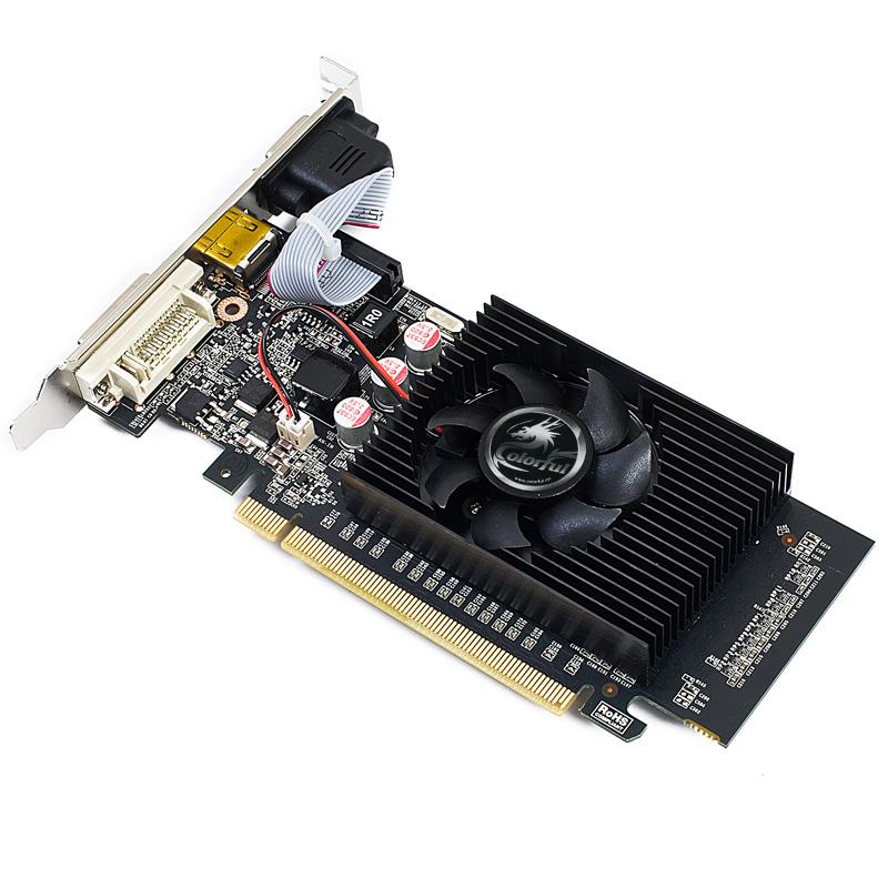 七彩虹GT610 CF黄金版-1GD3 V3采用40纳米工艺,基于GF119核心架构,PCI-E新一代低端主力级显卡,专为入门级高清玩家量身打造。新一代全新功能比最先进的集成显卡快3倍,搭配高速内存扩展,全面提升性能。支持DirectX 11、CUDA以及PhysX等技术,能够呈现出游戏中难以置信的逼真特效。支持PureVideo HD引擎,强大的视频解码能力,集高清视频解码加速与后期处理于一身,能够在播放视频或电影时实现前所未有的画面清晰度、流畅度、准确的颜色以及精确的图像缩放。原生支持1080P,支持